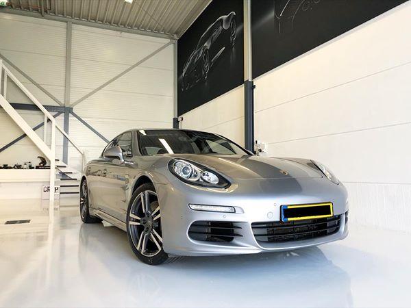 Porsche Van IJzendoorn Car detailing